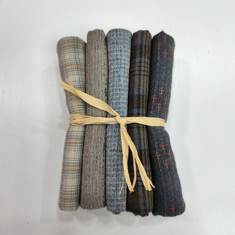 Japanese yarn dyed fat eighth bundle-blue